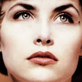 Sherilyn Fenn as Audrey Horne