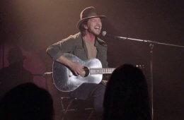 Eddie Vedder aka Edward-Louis Severson III in Twin Peaks - Out of Sands