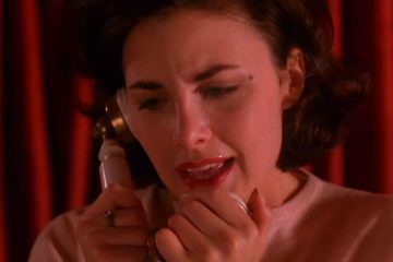 Audrey Horne on the phone