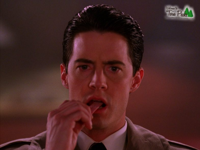 Dale Cooper eating gum