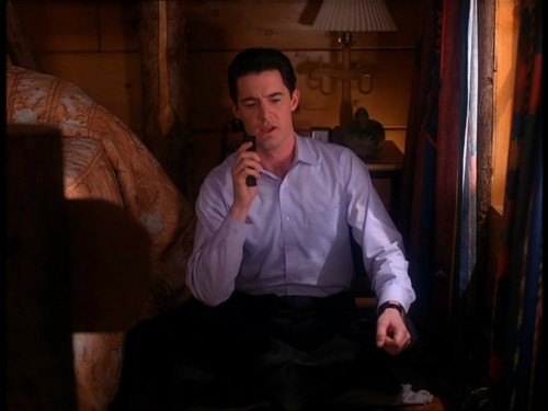 Dale Cooper talking to Diane
