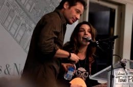 Bree Sharp sang David Duchovny in front of David Duchovny at Barnes and Noble in New York City