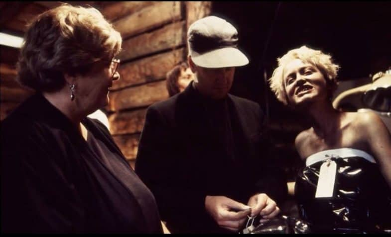 David Lynch and Pamela Gidley behind the scenes of Twin Peaks: Fire Walk with Me