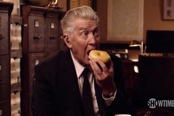 Gordon Cole eating a donut Twin Peaks teaser