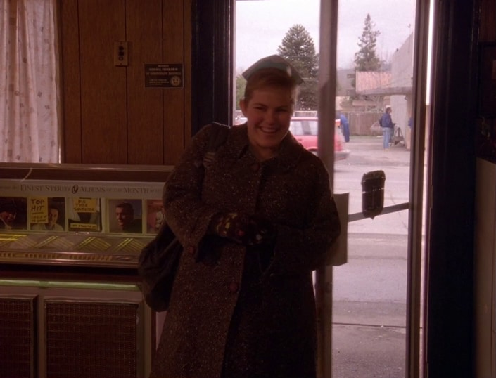 http://welcometotwinpeaks.com/wp-content/uploads/heidi.jpg
