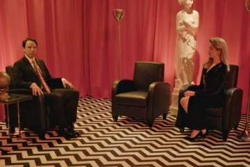Late Night with Seth Meyers: Twin Peaks Red Room parody