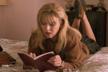 Laura Palmer reading her secret diary
