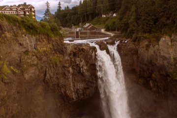 The Great Northern hotel and Snoqualmie Falls