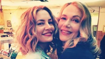 Mädchen Amick & Peggy Lipton on the set of the new Twin Peaks back in 2015. Photo via Mädchen Amick.