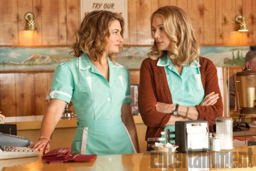 Mädchen Amick (Shelly Johnson) & Peggy Lipton (Norma Jennings) - Twin Peaks 2017