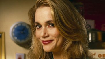 Peggy Lipton as Norma Jennings in Twin Peaks (1990)