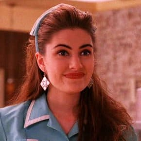 Mädchen Amick's Favorite Twin Peaks Memory And The Weirdest Thing David Lynch Made Her Do