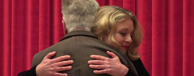 David Lynch & Sheryl Lee hugging