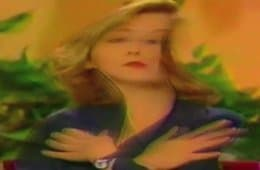 Sheryl Lee in trippy Twin Peaks tribute video