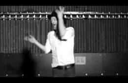 Thom Yorke dances to Twin Peaks