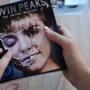 Unboxing Twin Peaks: The Entire Mystery Blu-Ray (Video)