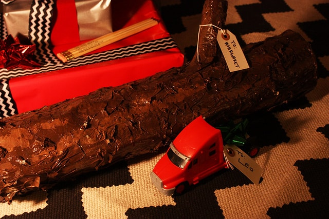 Twin Peaks Christmas: Leo Johnson's truck and The Log Lady's log