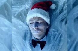 Christmas songs in the style of Angelo Badalamenti