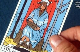 Twin Peaks tarot card deck: The High Priestess / The Log Lady