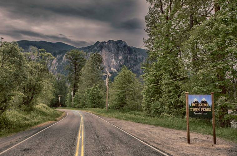 Welcome to Twin Peaks town sign in Snoqualmie, WA (Photo: Don Detrick)